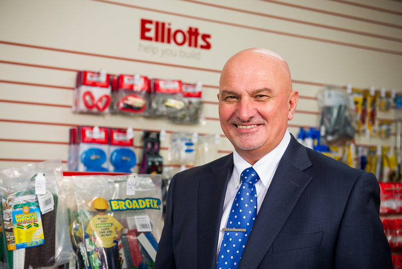 Elliotts' Tony Adams retires