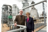 First Minister unveils Norbord expansion