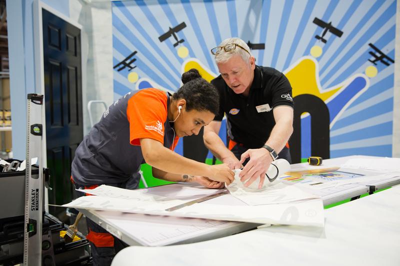 Crown Paints celebrates apprentices