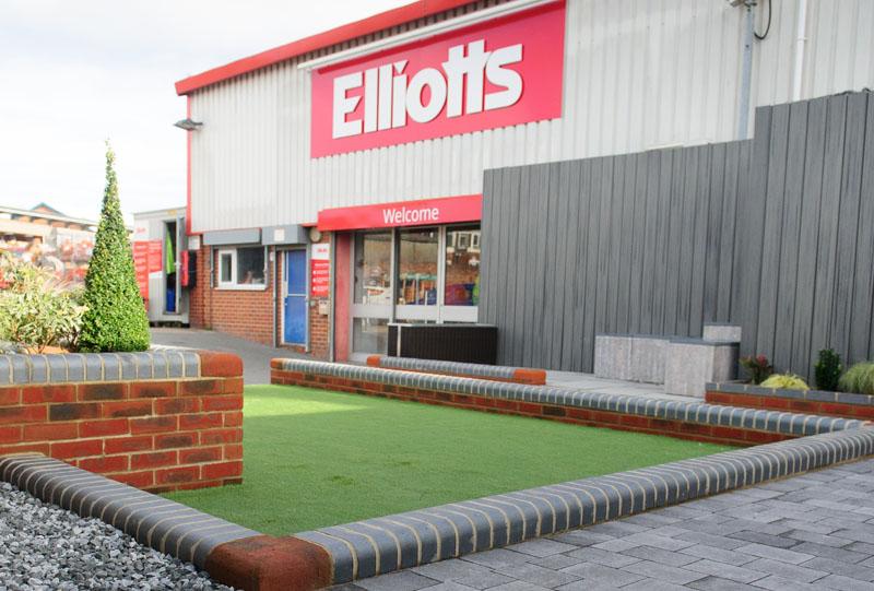 Elliotts uses new HR & payroll system