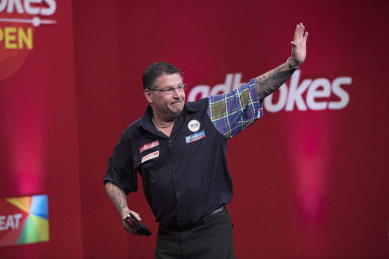 McAlpine teams up with Gary Anderson