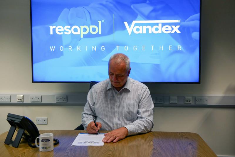 Resapol signs distribution agreement for the Vandex Range